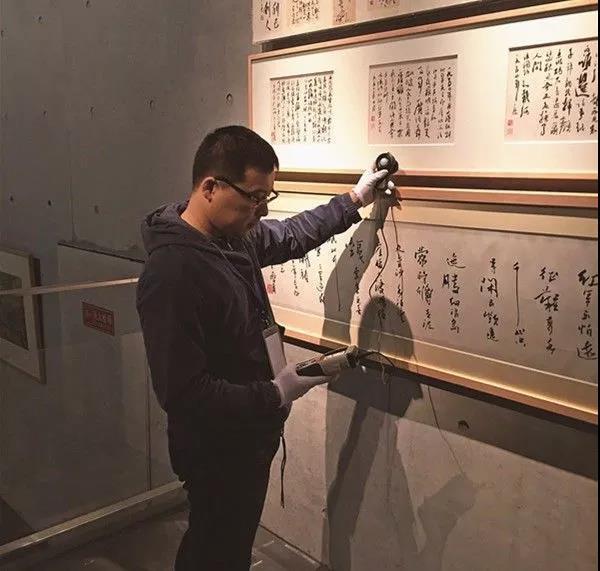 刘宏剑在龙美术馆西岸馆工作现场