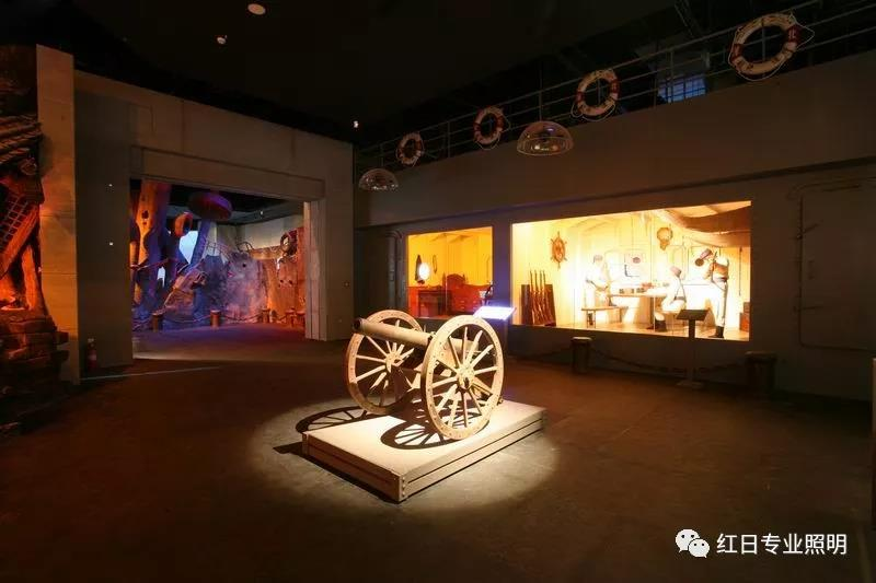 来自博物馆灯光里的历史意义,愿警钟长鸣