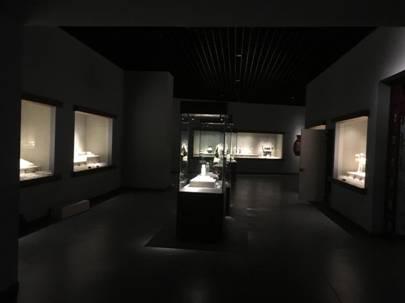 光影?#25176;场?#20197;青博工艺品展厅照明改造为例